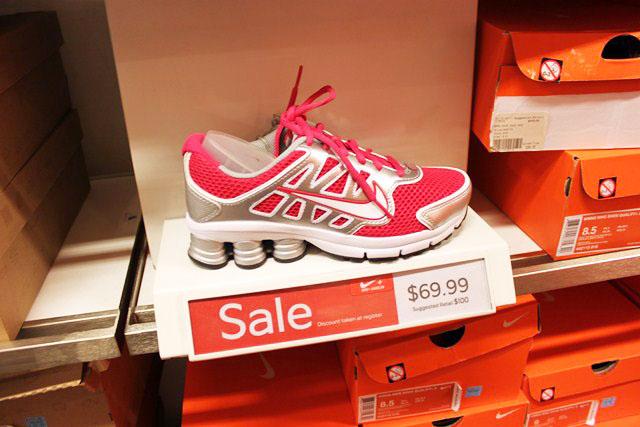 215e51f4936e4 Nike Outlet: Roupas esportivas com ótimos preços nos Estados Unidos ...