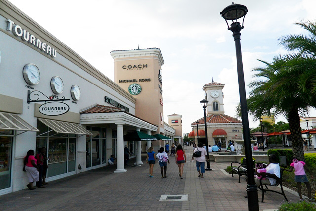 Premium Outlets International Drive