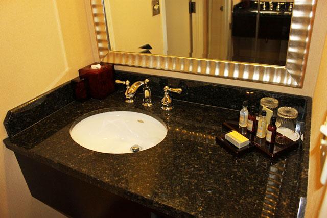 Falando de Viagem Philadelphia Marriott West -> Pia De Banheiro Do Lado De Fora