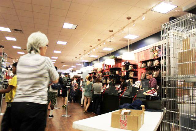 b17db7c6a Tommy Hilfiger Outlet  A loja mais desejada pelos brasileiros ...