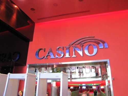 play casino and win