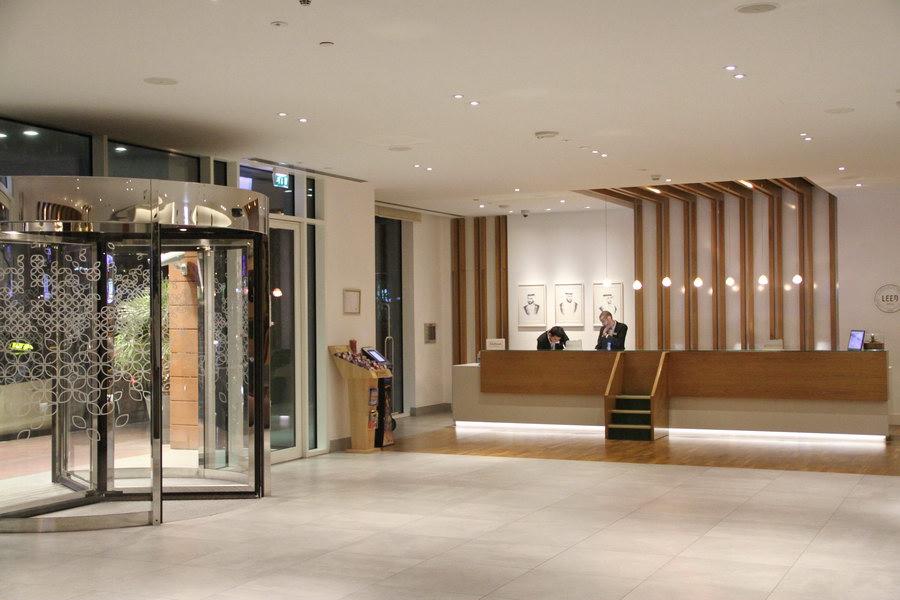Lobby Hilton Garden Inn Dubai Mall Of The Emirates