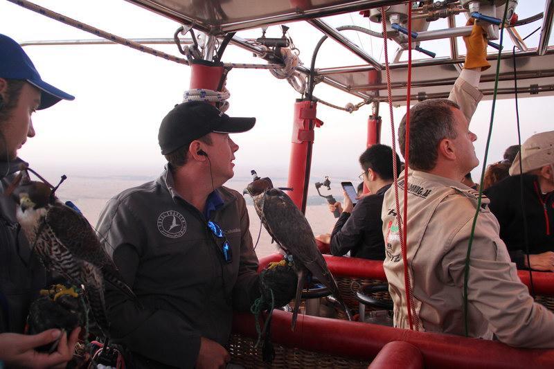 A equipe do Hot Air Balloon de Dubai.