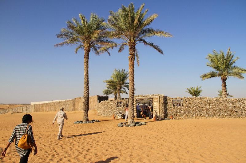 Entrada ao acampamento beduíno.