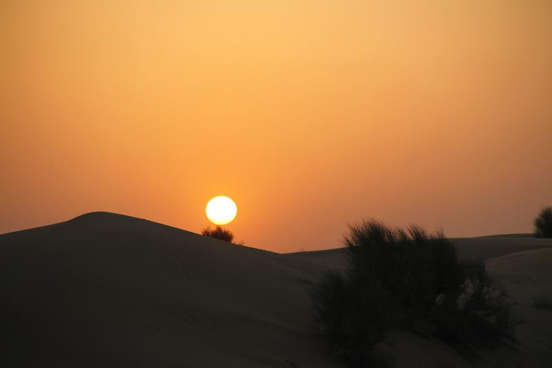 É de tirar o folego assistir ao pôr do sol mergulhando nas Dunas do deserto. Um espetáculo!