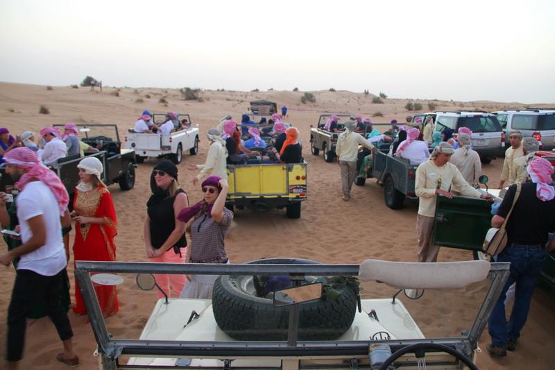 Land Rover 1950 no deserto
