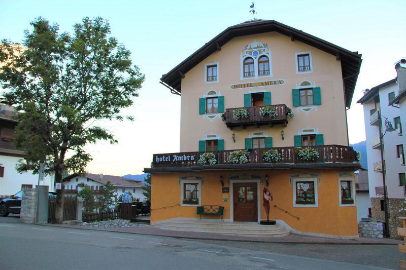 Fachada do Hotel Ambra