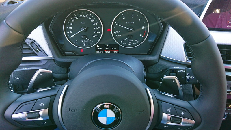 Sixt oferece carros que acabaram de sair da fábrica, como essa BMW com apenas 9 quilômetros rodados.