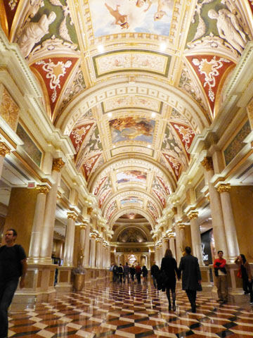 da vinci the genius at the venetian las vegas essay Da vinci the exhibition at the venetian in las vegas, features his inventions and masterpieces, and also golden ratio illustrations by gary meisner.