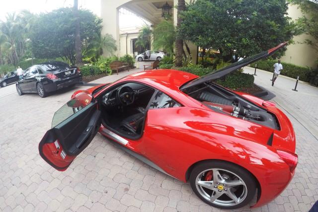 A Ferrari 458 Italia é um dos muitos carros de luxo disponíveis para  aluguel em Miami. Se você sonha em dirigir um esportivo de luxo terá essa e  muitas ... 5397441d042