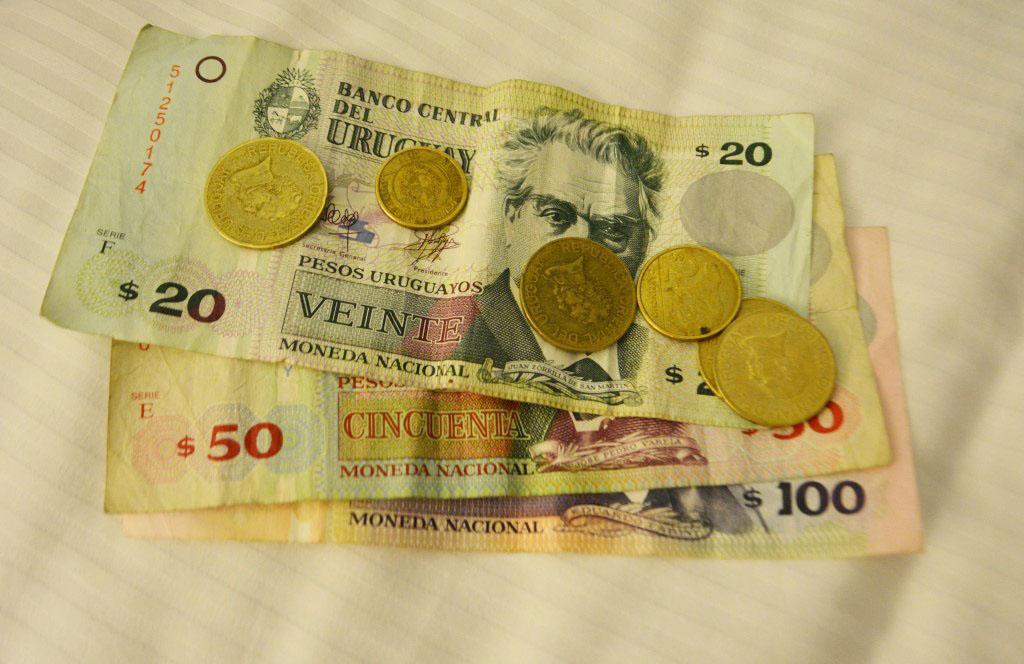 Dinheiro usado no Uruguai.