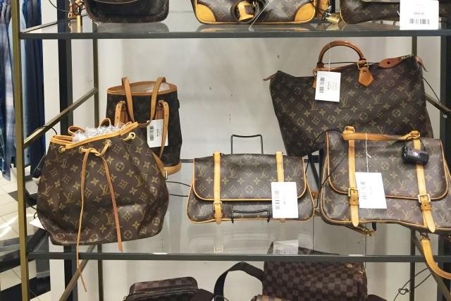 592176d8e Onde comprar bolsas usadas da Louis Vuitton e Gucci em Nova York ...