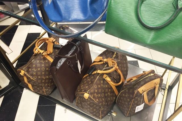 Onde comprar bolsas usadas da Louis Vuitton e Gucci em Nova York ... 565186b8b0