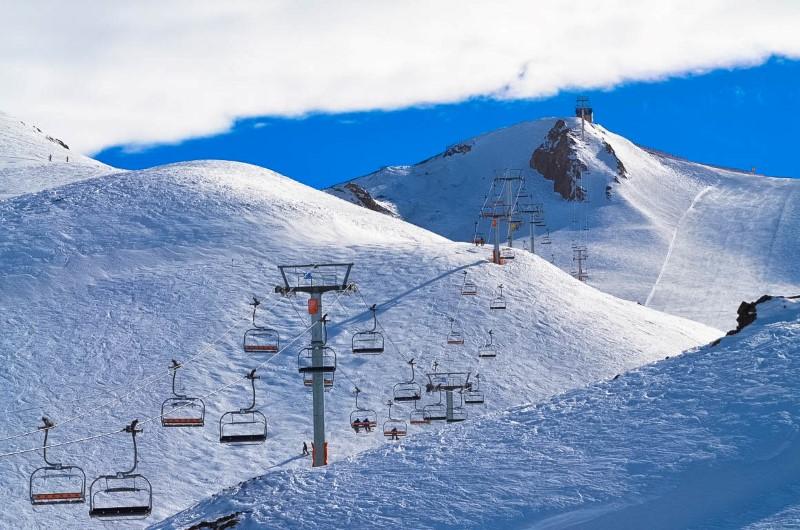 Valle Nevado é um ótimo destino para quem deseja se divertir na neve.