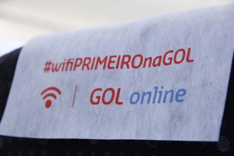 A GOL foi a primeira companhia aérea brasileira a oferecer Wi-Fi em seus voos.