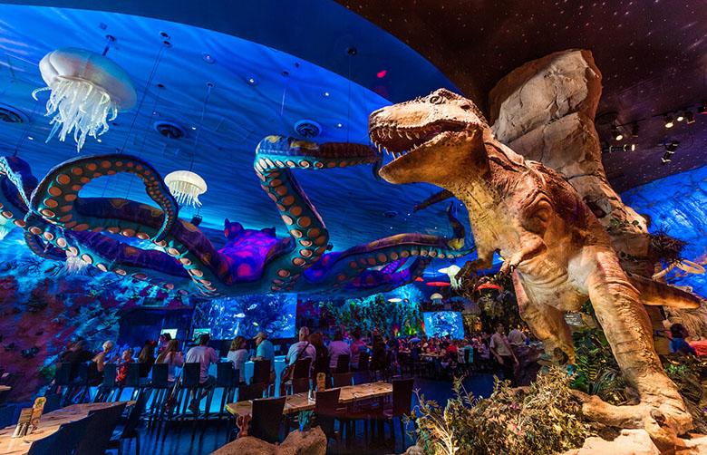O temático T-Rex pode parecer infantil, mas impressiona até adultos.
