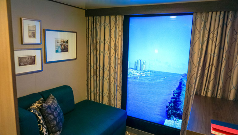 A cabine com janela virtual.