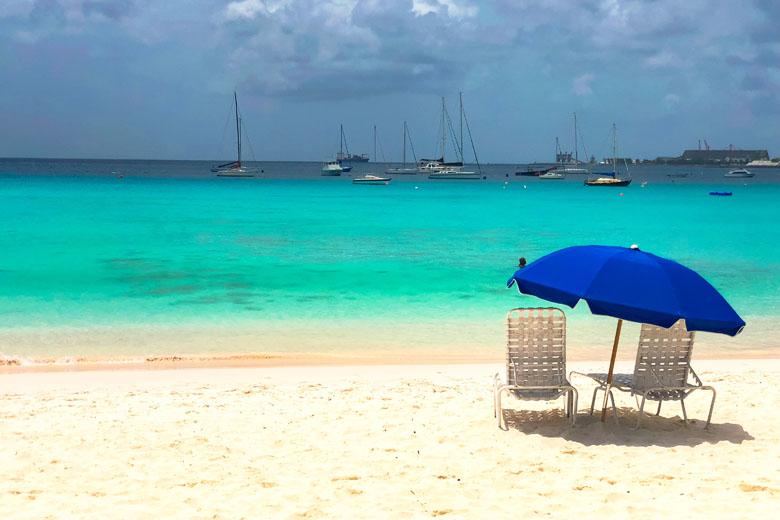 Praias e mais praias para você curtir todos os dias da viagem.