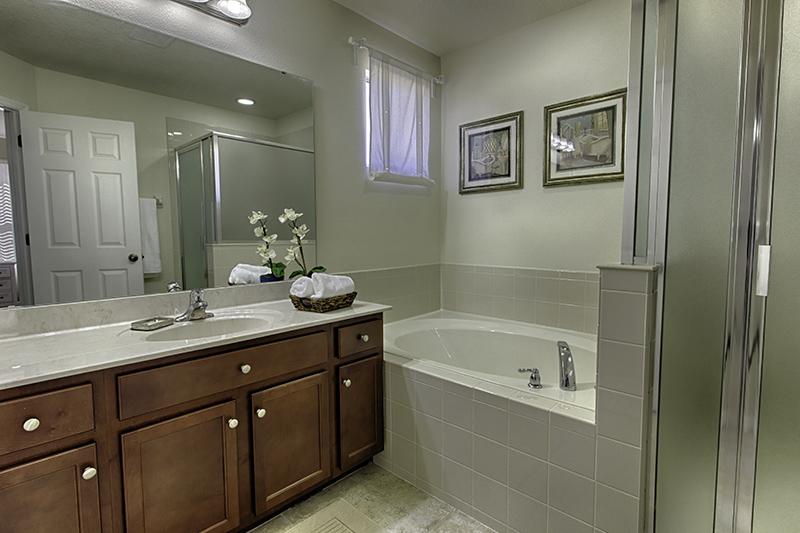 Os banheiros também são confortáveis.