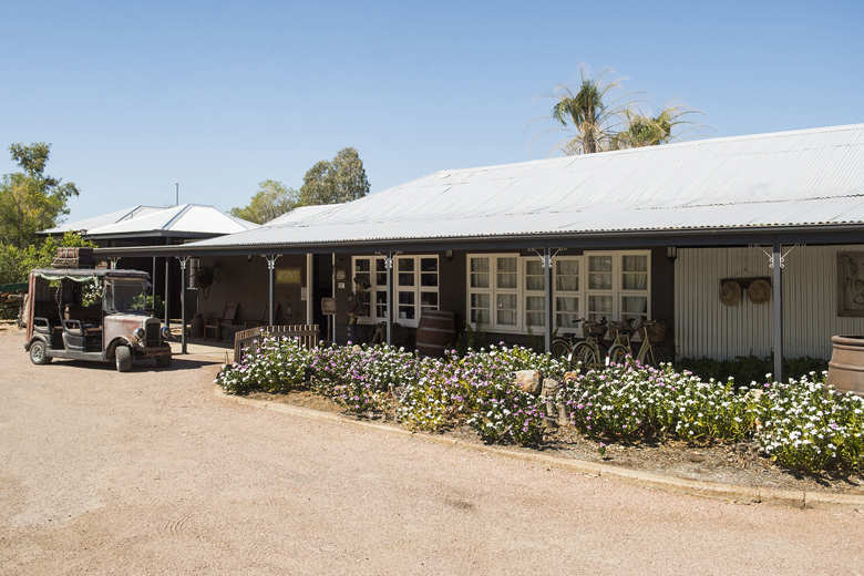 Kinnon & Co Outback Accommodation.