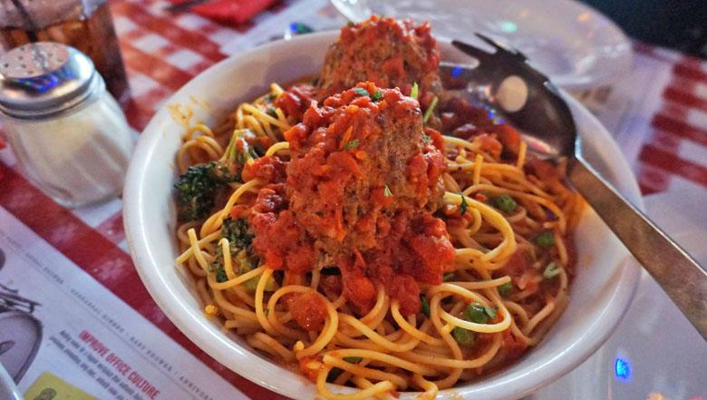 Opção de alimentação no Buca di Beppo.