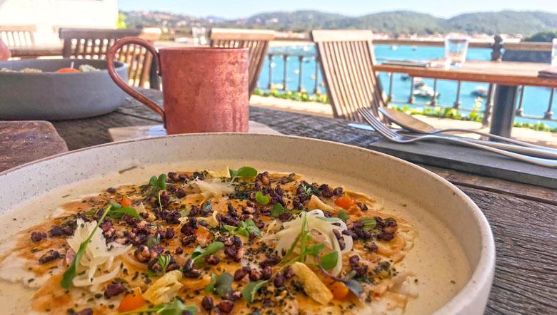 Almoço com vista mar.