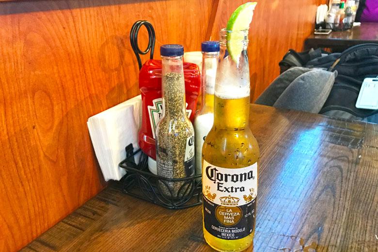 A ótima cerveja Corona.