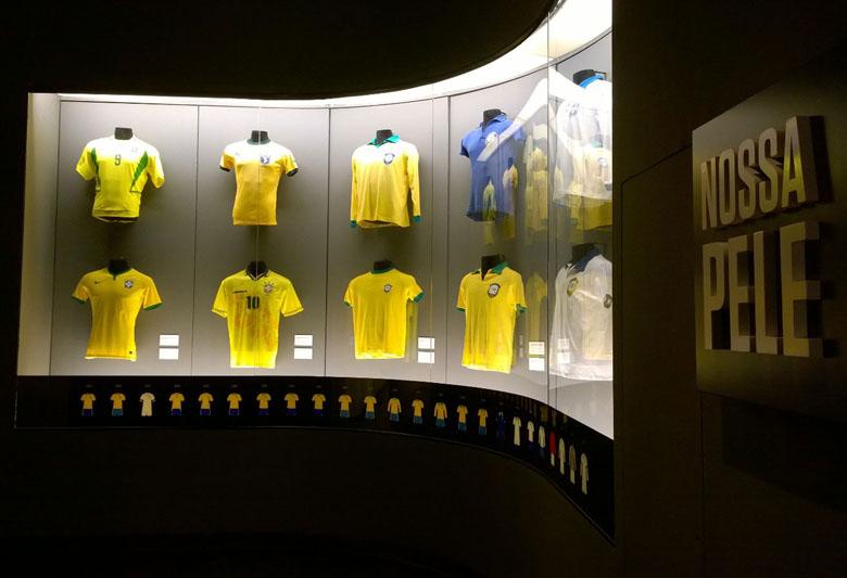 O museu é ótimo para os pequenos que amam futebol.
