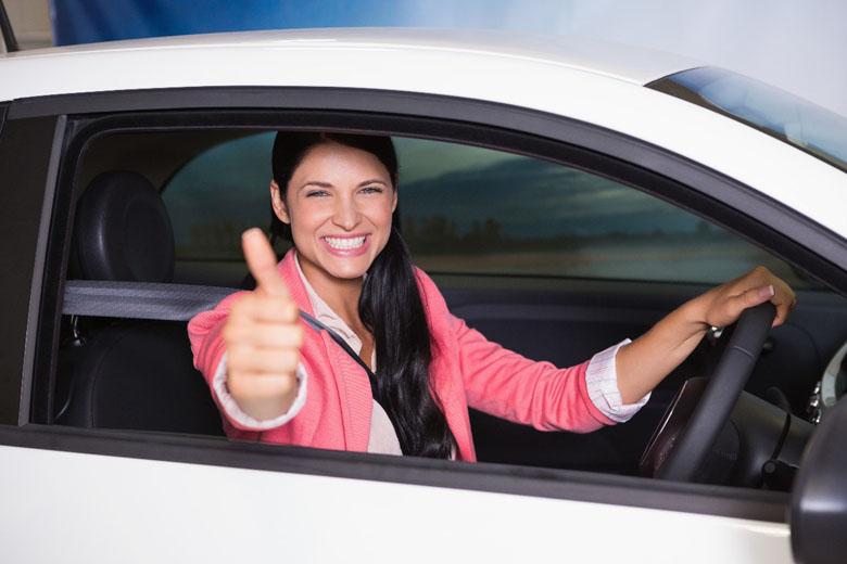Viajar de carro é ótimo, mas cuidados são necessários ao alugar um.