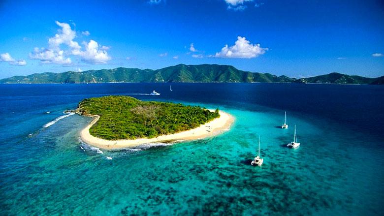 Sandy Cay Island & Sandy Spit Island.