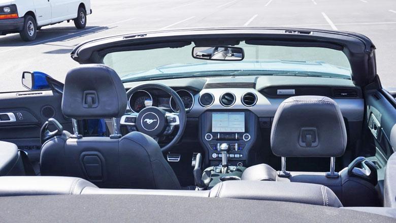 A Sixt sempre tem carros bem equipados.