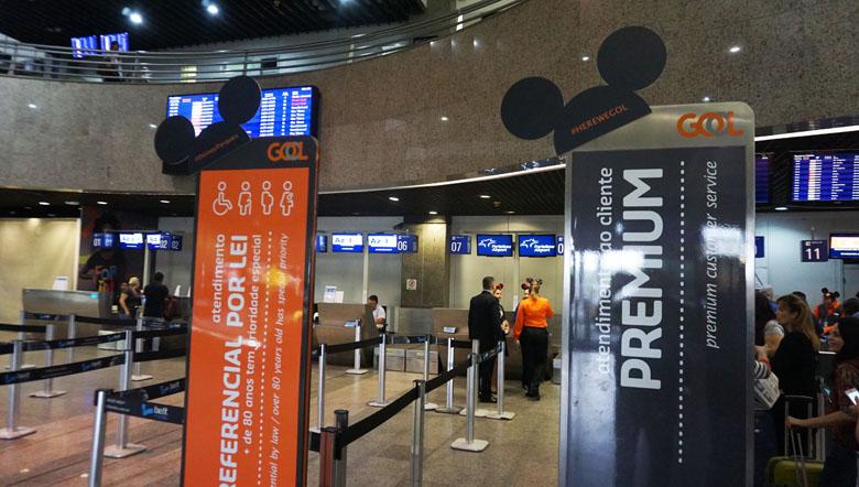 Temática Disney no voo inaugural.