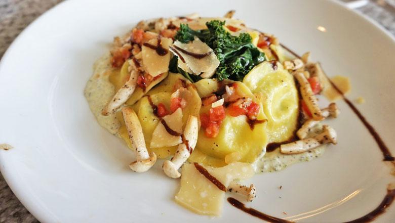 A bonita apresentação do ravióli, que agrada quem não tem muita fome.