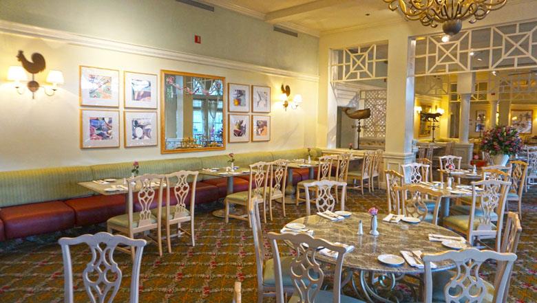 O ambiente do restaurante é interessante e a vista bem agradável e relaxante.