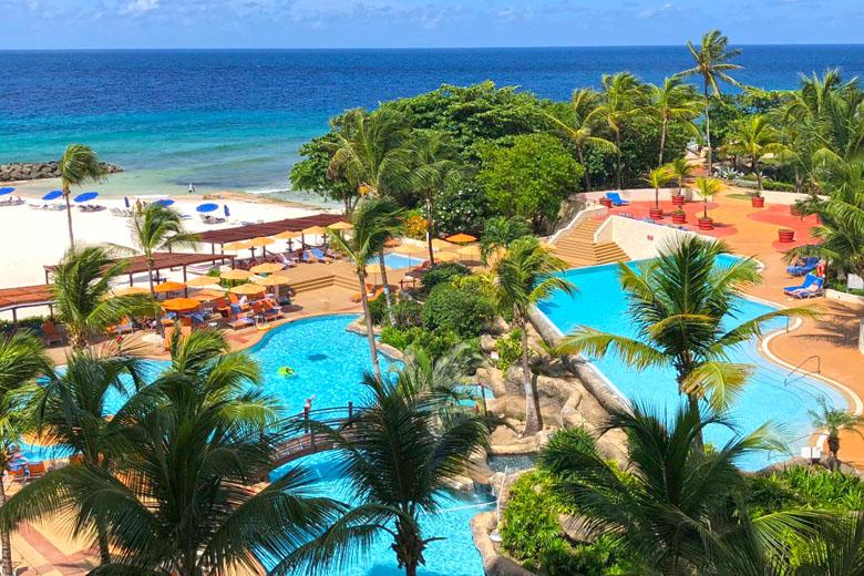 No Hilton não precisa escolher ente praia ou piscina.