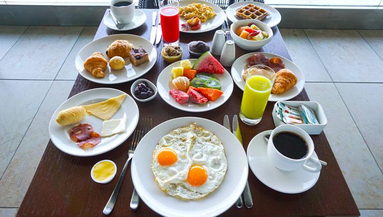 Muita variedade no café da manhã do Hyatt Regency Cartagena.