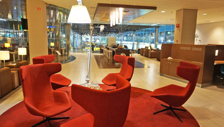 Espaços do KLM Crown Lounge.