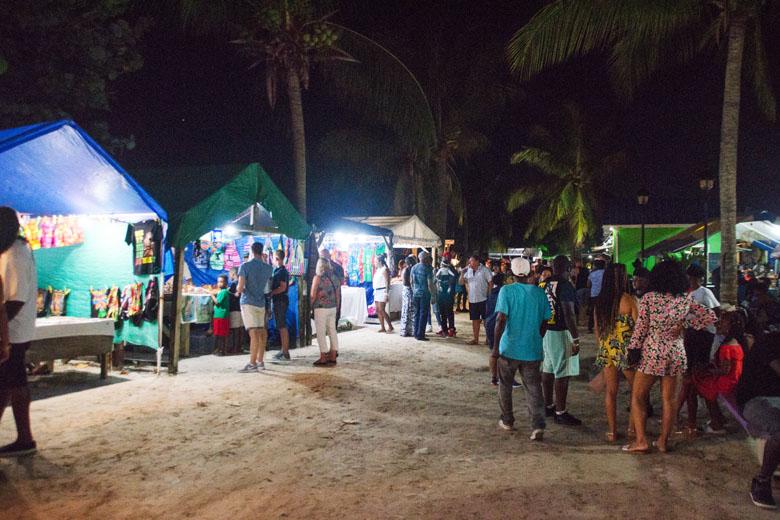 O Mercado de Oistins é excelente para conhecer um pouco da cultura barbadiana.