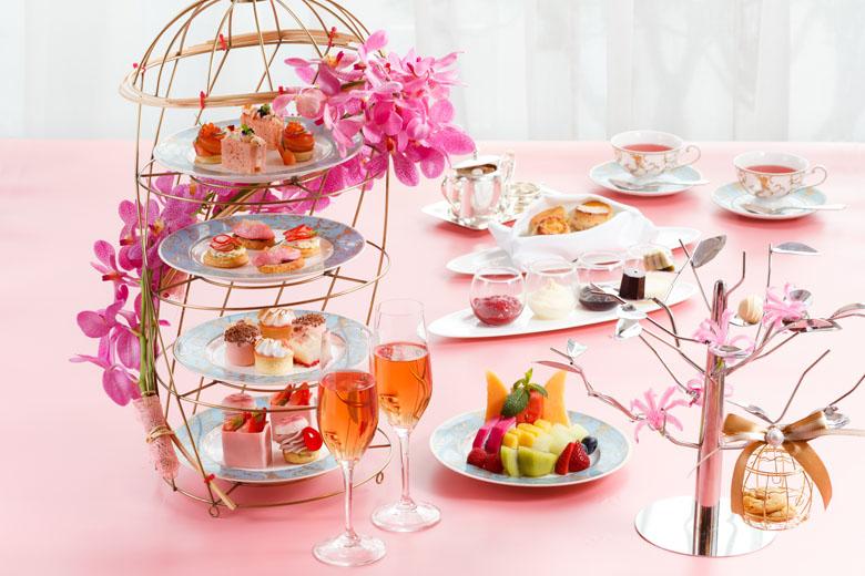 Chá da tarde em grande estilo com champagne no Shangri-La Hong Kong.