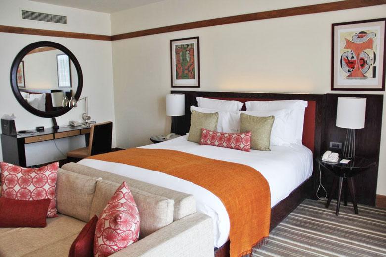 Detalhes do luxuoso quarto.