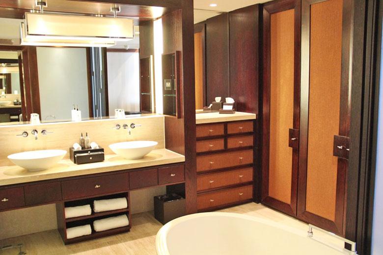 O banheiro do nosso quarto.