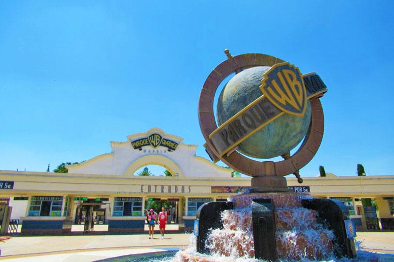A entrada do Parque Warner.