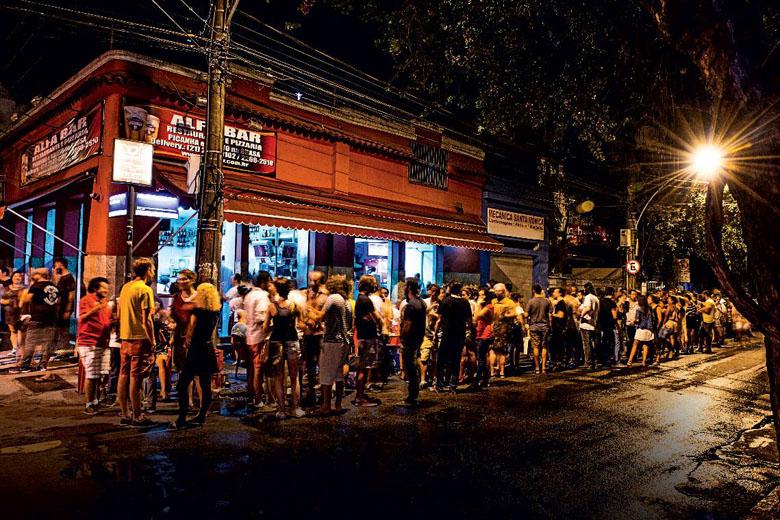 A noite em Botafogo é uma pedida certa. FOTO: Tomás Rangel/Veja Rio.