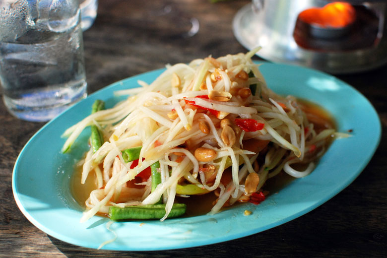 A leve e saborosa salada da Tailândia.