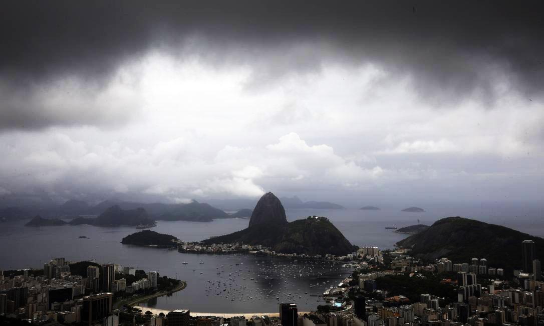 Mesmo com chuva, continua lindo. FOTO: Marcos de Paula / Agência O Globo.