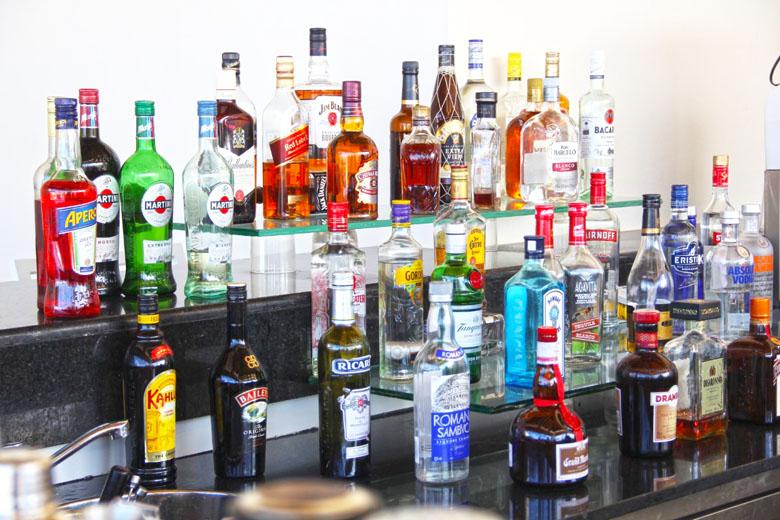 Praticamente todas as bebidas estão à disposição.
