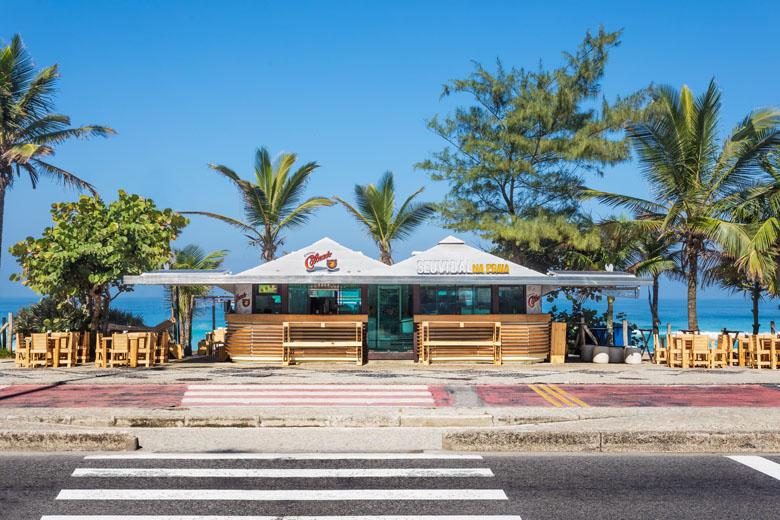 O Seu Vidal na Praia já virou um point de encontro para quem gosta de comer e beber bem.