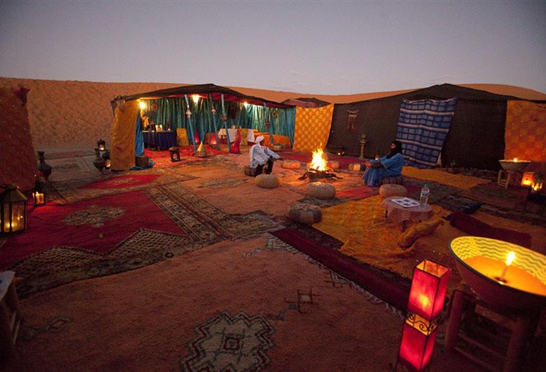Engana-se quem pensa que viajar para o deserto é sinônimo de perrengue.