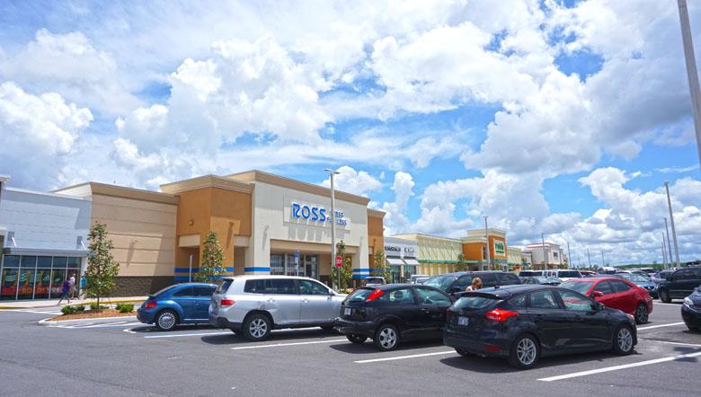 O Sunrise City Plaza é um bom centro de compras em Kissimmee.