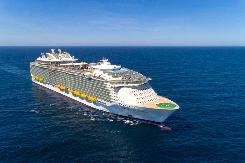 O Symphony of the Seas pode ser chamado de gigante dos mares.